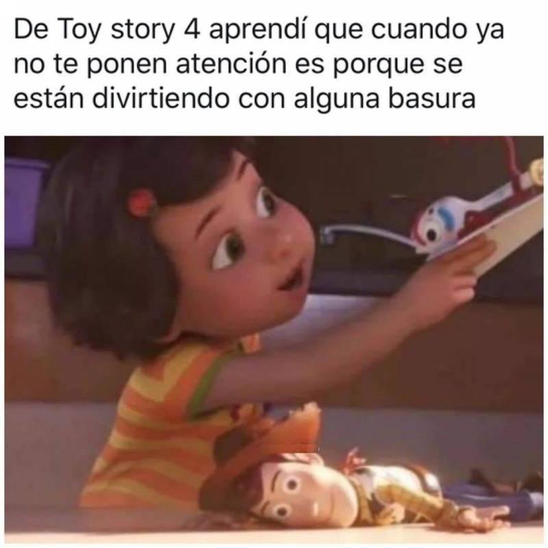 Pin By Gabriela Oropesa On Chistes De Disney In 2021 Memes Funny Memes Humor