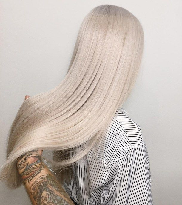 Image Discovered By ღ Iiniѕiℓye ღ Discover And Save Your Own Images And Videos On We Heart It In 2020 Hair Styles Platinum Blonde Hair Blonde Hair Looks