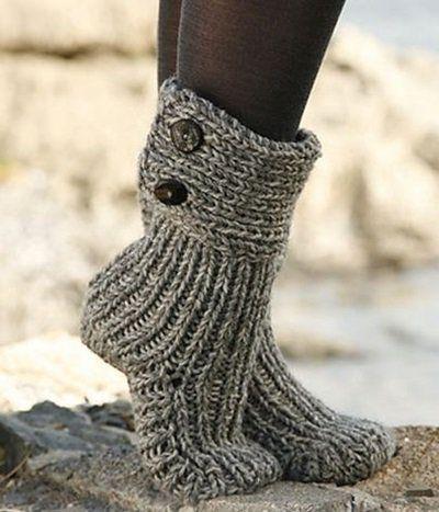 DIY 8 Knitted & Crochet Slipper Boots Free Patterns | Stricken