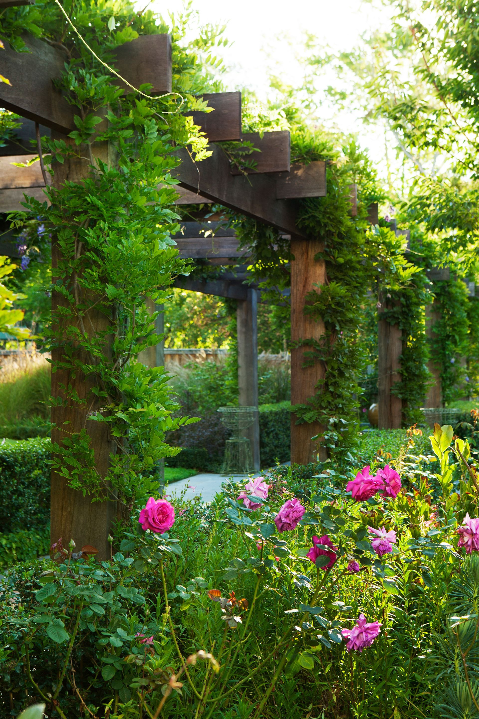 A Grand Garden Reinvented For The 21st Century Pergola Garden