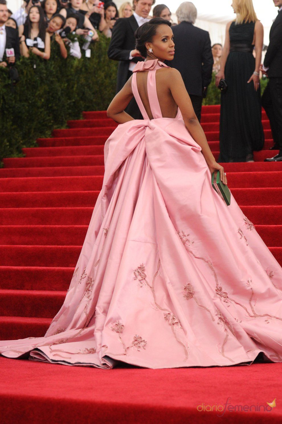 Kerry Washington in Prada at the 2015 Met Gala | The Red Carpet ...
