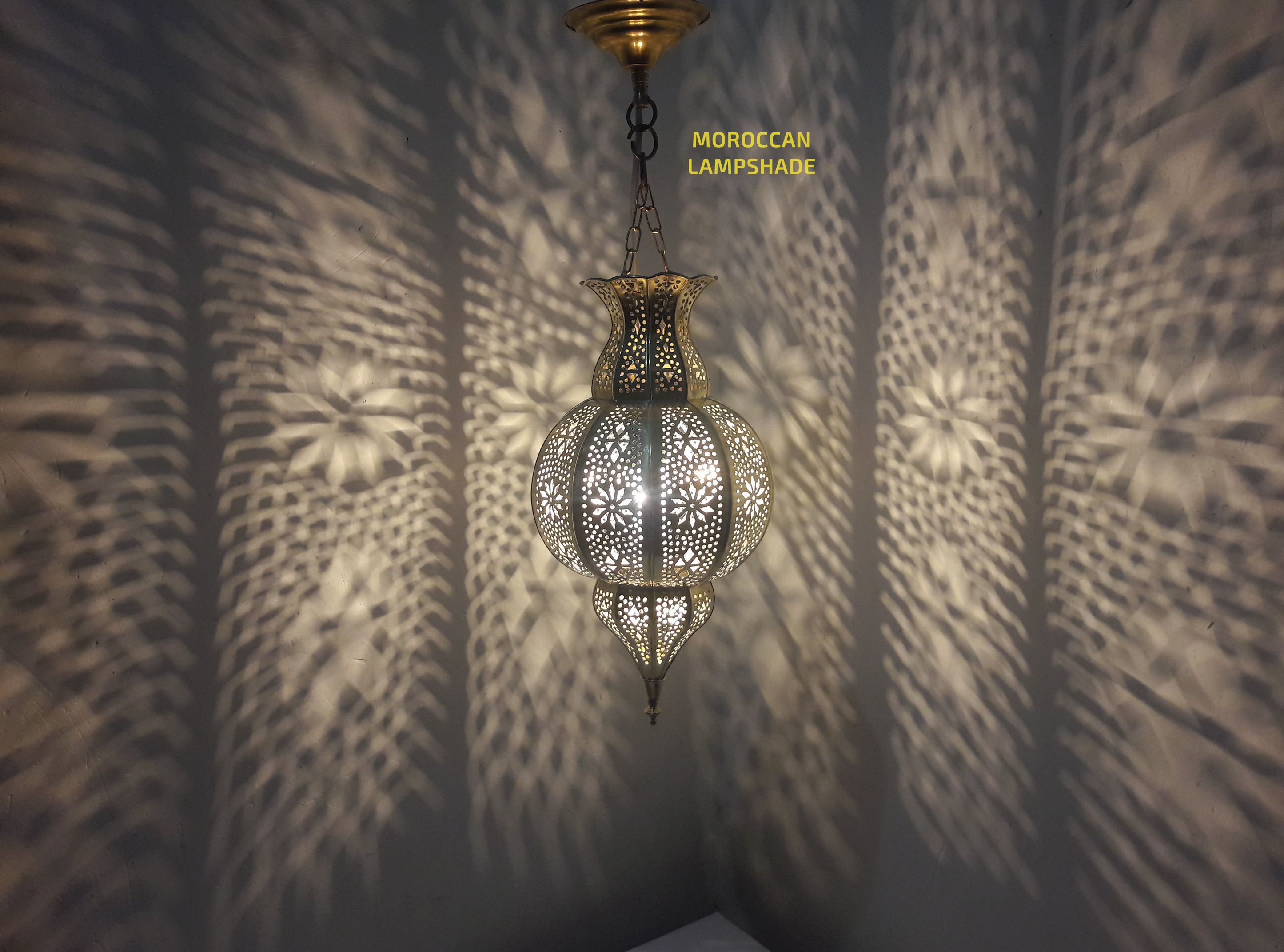 Gold Moroccan Hanging Pendant Lamp Made With Copper Brass Small But Chic In 2020 Messing Hange Lampe Lampe