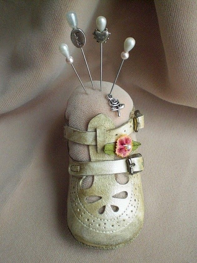 What A Cute Idea Great Way To Display Old Baby Shoes