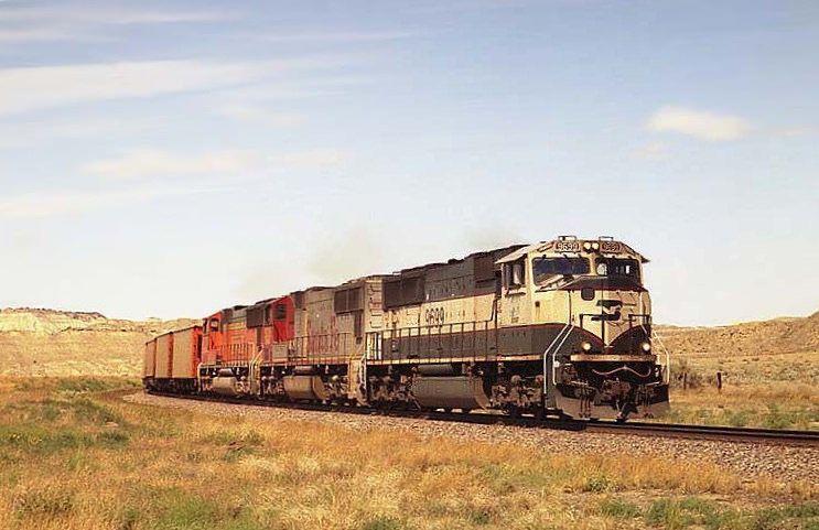 https://flic.kr/p/MKq1dJ | BNSF SD70MAC 9699 | BNSF Westbound Empty Coal Train passes through Calypso, MT