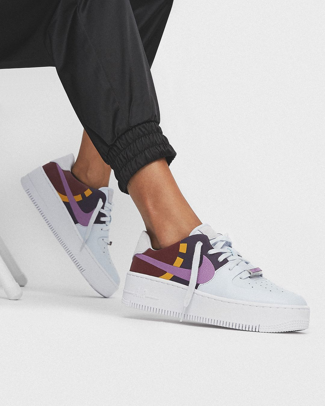Nike WMNS Air Force 1 Sage Low LX in bunt - BV1976-003 ...