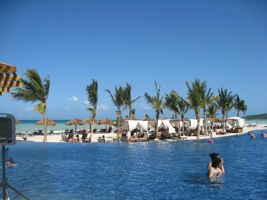 Royalton White Sands Resort The Infinity Pool At The Beach