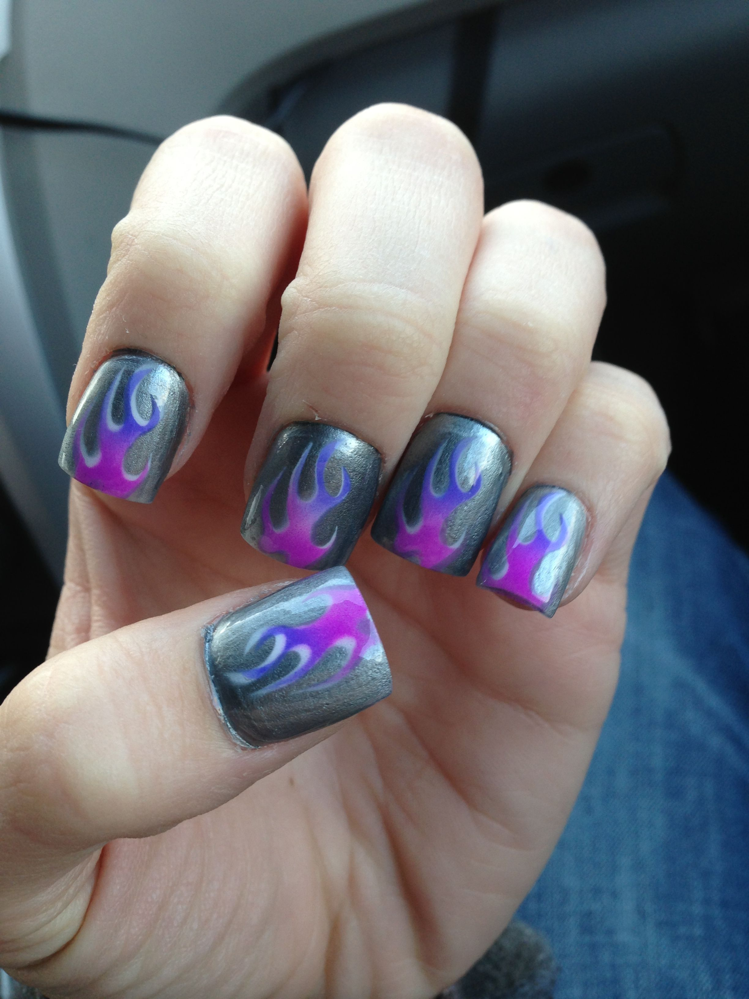 Nailsymo: Purple And White Flame Nails