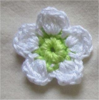 f414156cbf51 Modèle de fleur au crochet …   Crochet