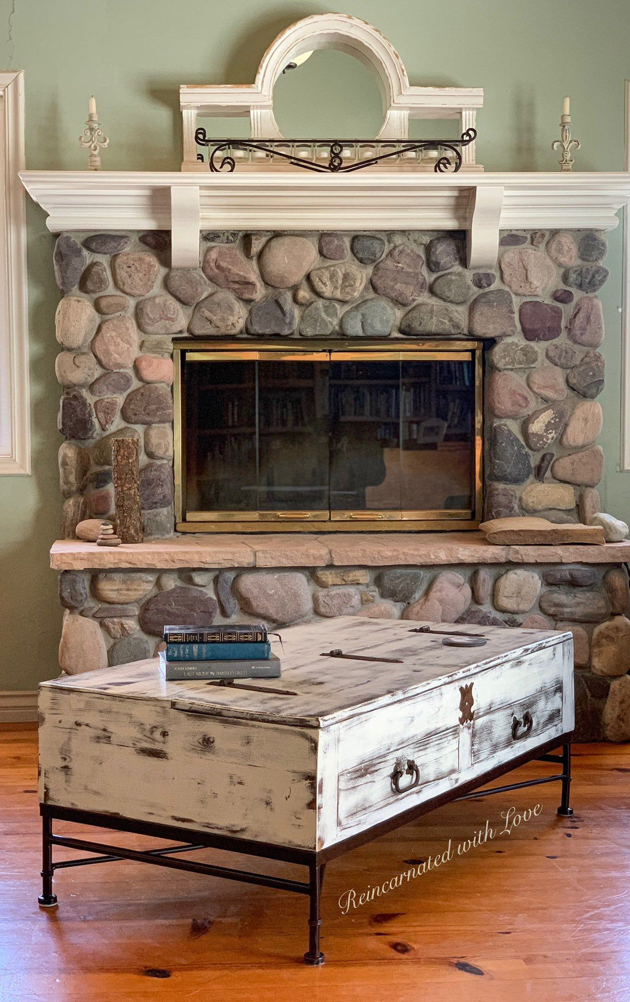 Lift Top Farmhouse Coffee Table Reclaimed Wood Wrought Iron Coffee Table In Rustic White Coffee Table Farmhouse Reclaimed Wood Coffee Table Shabby Chic Coffee Table [ 1976 x 1242 Pixel ]