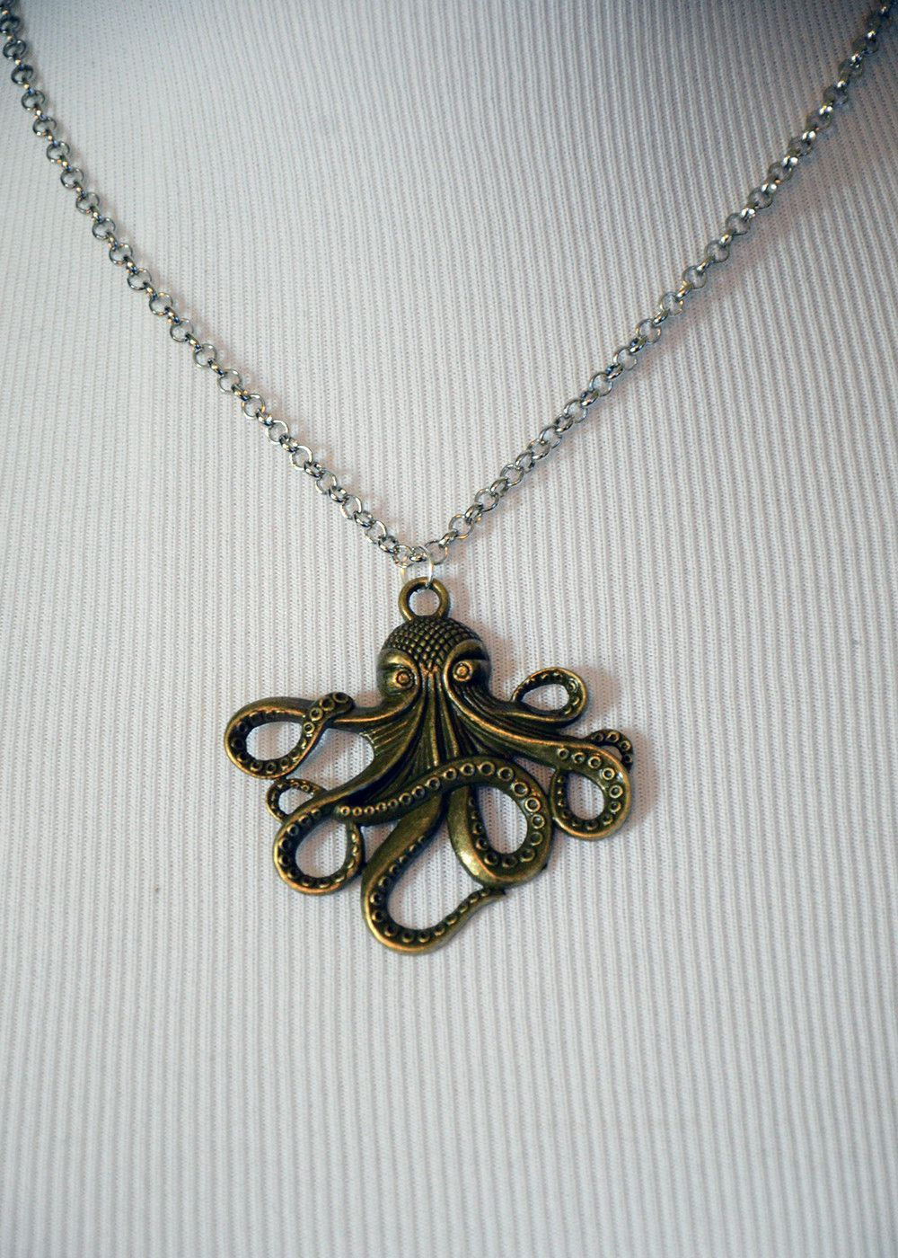 Octopus bronze pendant necklace