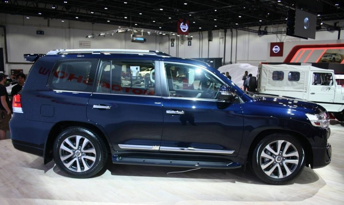 2017 Toyota Land Cruiser Auto Show Side View Alloy Wheels Toyota Land Cruiser Land Cruiser Alloy Wheel