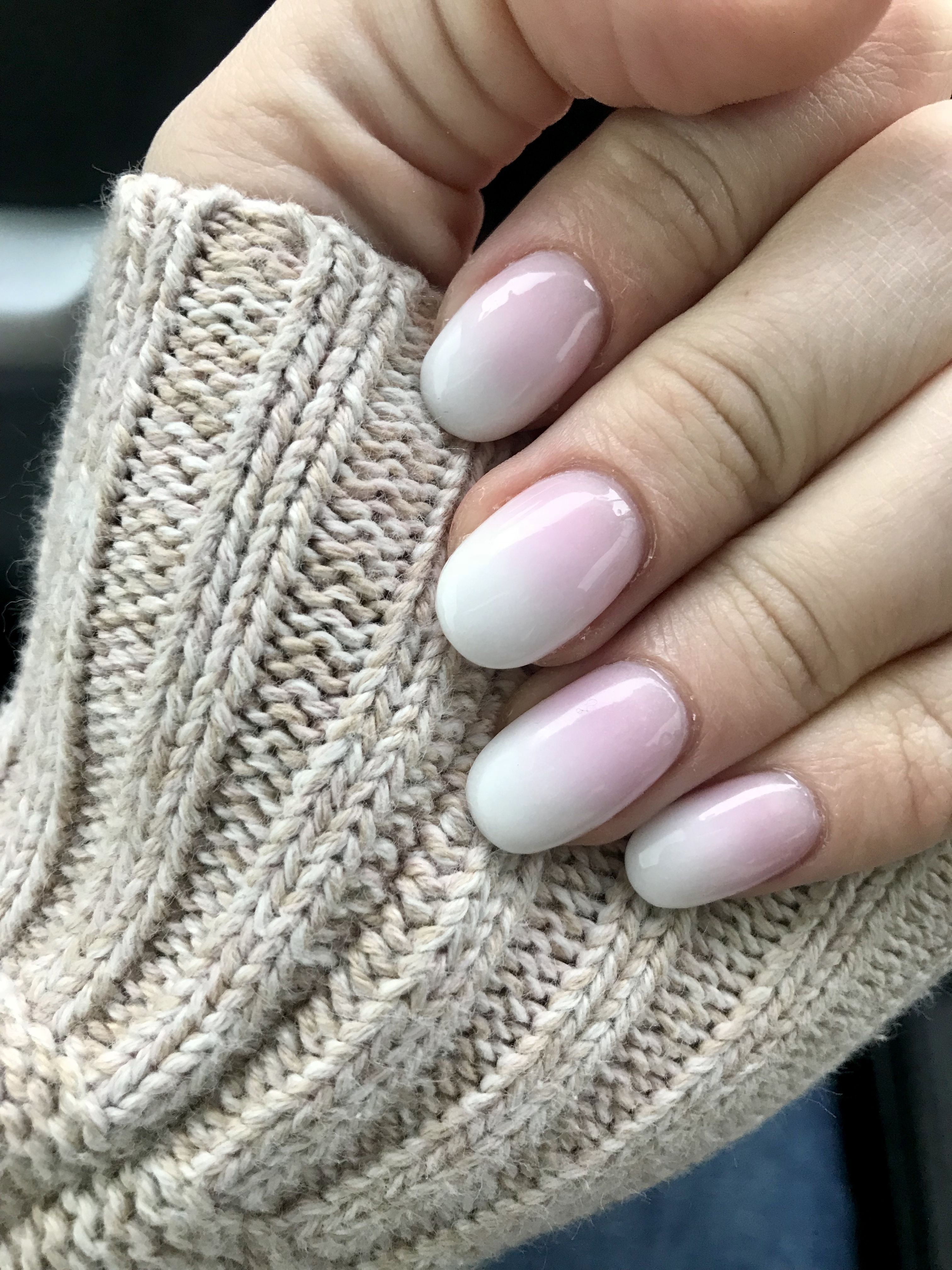 Pink And White Ombre Oval Acrylic Nails Bestsummernails Acrylic Nails Stiletto Oval Acrylic Nails Ombre Acrylic Nails