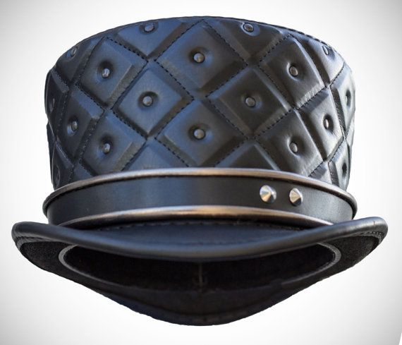 Leather top hat - late baroque