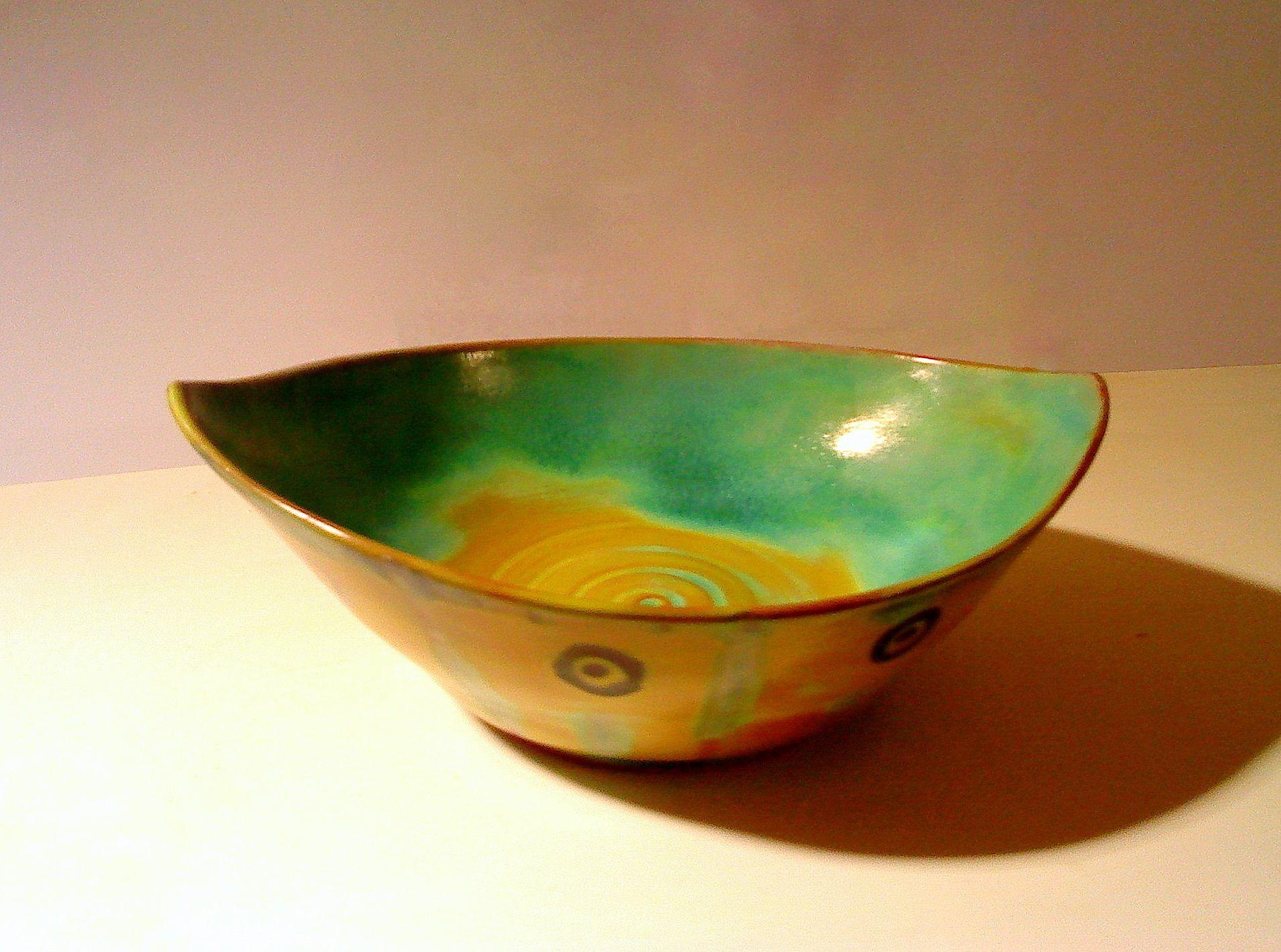 bowl. Eva Prezelj.