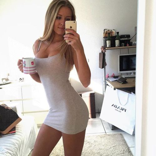 Sexy girls in tight skirts