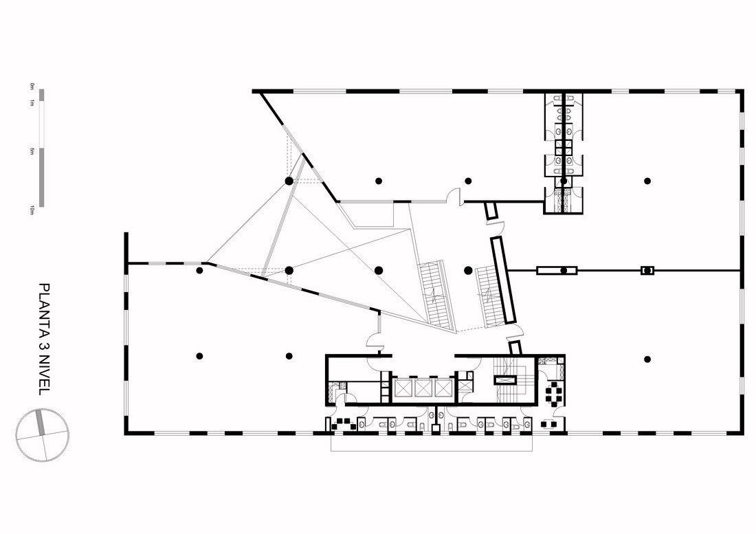 Galería de Edificio de oficinas Vanguardia / Gonzalo Mardones V - 16