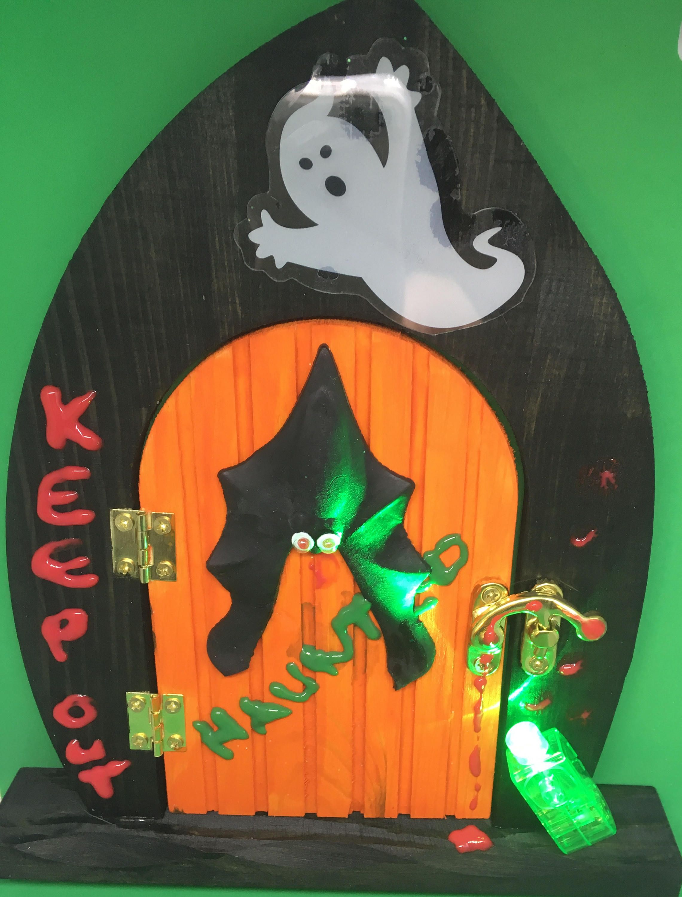 Halloween Haunted house wooden door that opens halloween, halloween - halloween house decoration