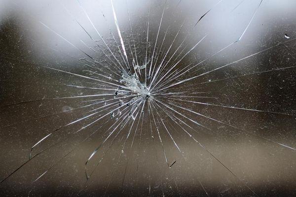 Pin by Ioanna Vr. on various Broken screen wallpaper