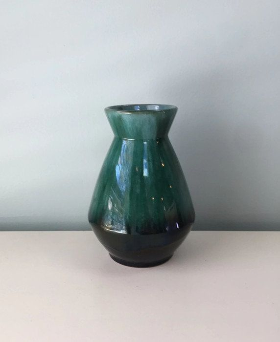 Vintage Blue Mountain Pottery Vase Canadian Bmp Collectible Mid