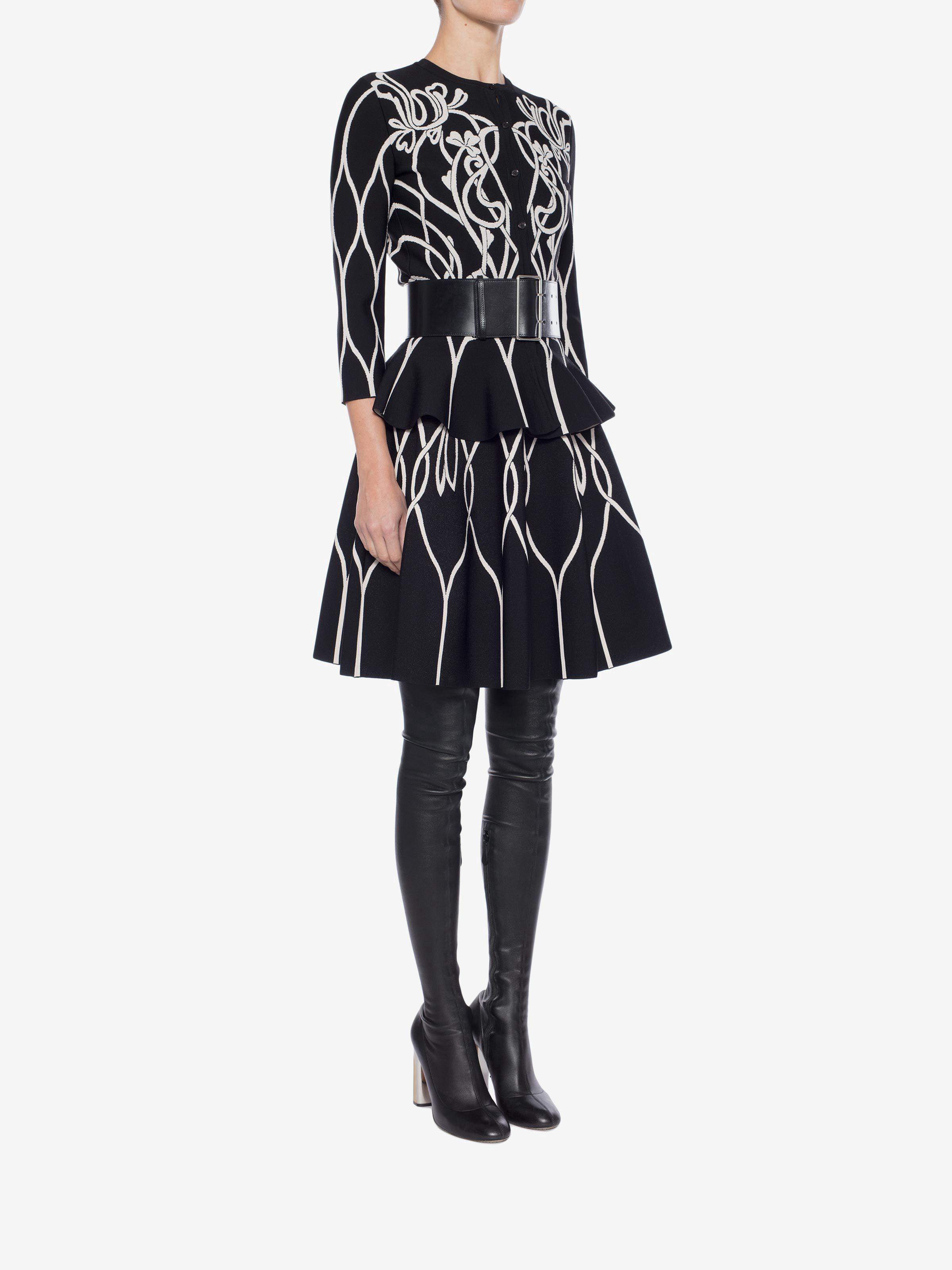 b5404142cf Alexander Mcqueen Art Nouveau Jacquard Mini Skirt - XS Ivory in 2019 ...