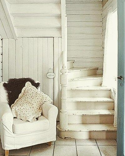 little curved stairs stairs staircase shabbychic iheartshabbychic white country cottage. Black Bedroom Furniture Sets. Home Design Ideas