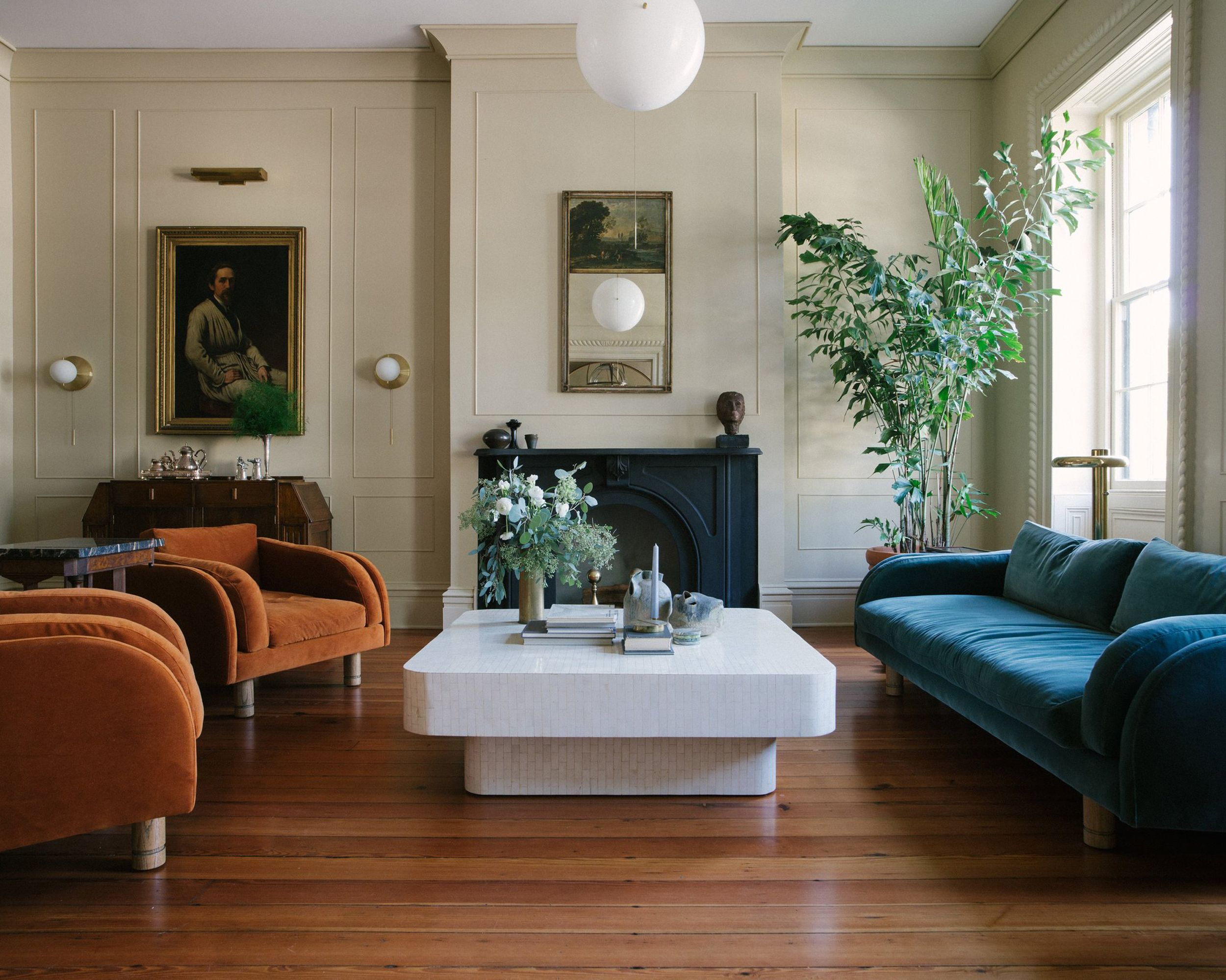Modern Victorian Style Wall Treatments And Art Get The Look Emily Henderson Family Room Design Parlor Room Coastal Living Rooms