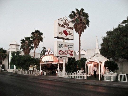Self Guided Walk And Walking Tour In Las Vegas Wedding Chapels Usa Sightseeing