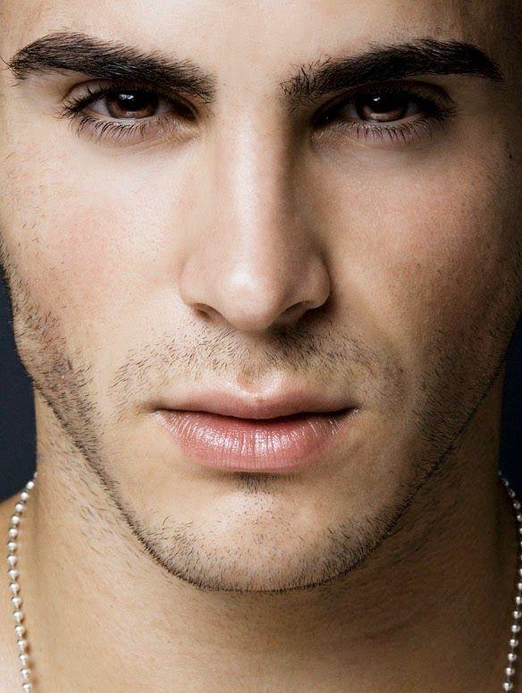 картинки красивые глаза мужчин раздался звонок