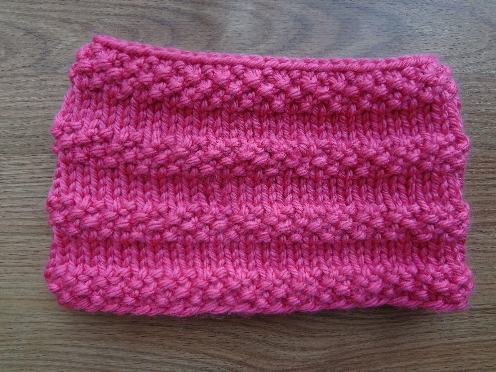 Bubblegum Cowl! (Free Knitting Pattern)