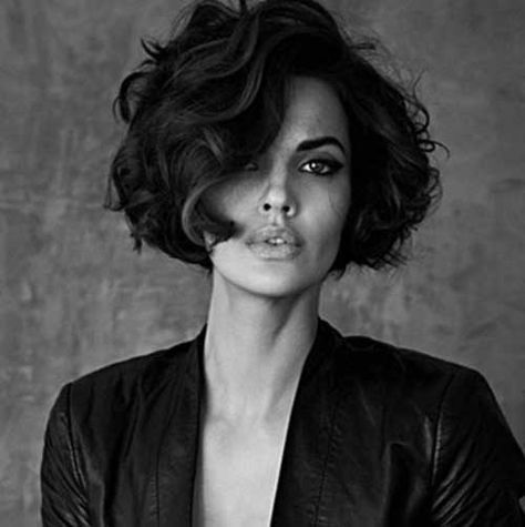20 chic and trendy curly bob hairstyles hairstyles pinterest bob frisur haar ideen und. Black Bedroom Furniture Sets. Home Design Ideas