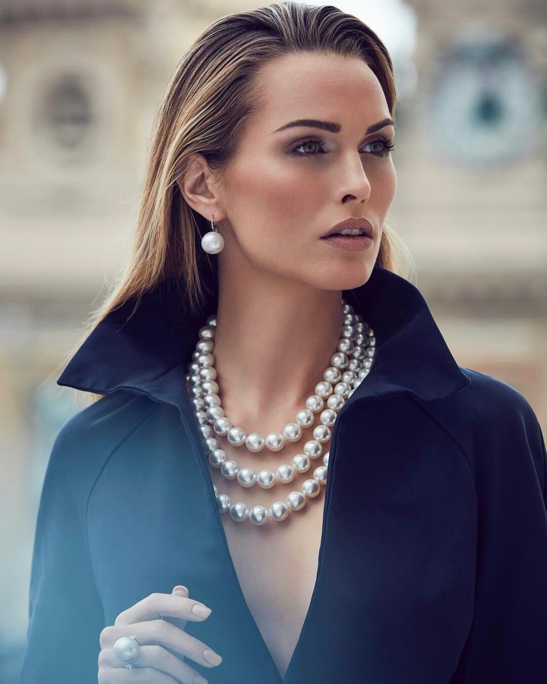 Pearl Necklace Styles: Navy & Pearls