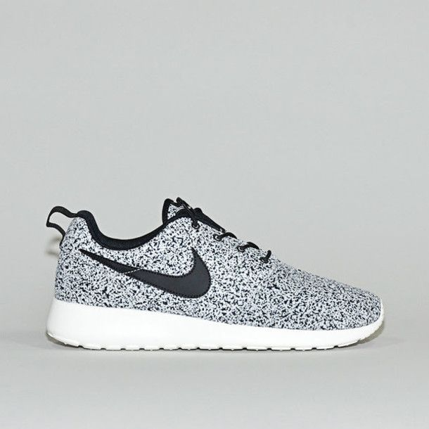 nike roshe running shoes womens