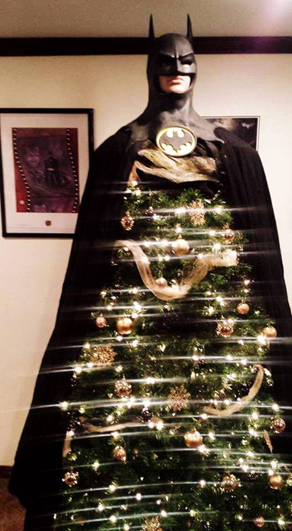 45 Unique And Unusual Black Christmas Tree Decoration Ideas Homedecorish Batman Christmas Tree Black Christmas Tree Decorations Christmas Trees For Kids