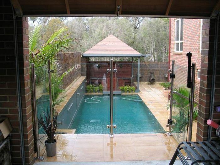 Kleiner moderner pool edelstahl zaun garten for Edelstahl garten pool