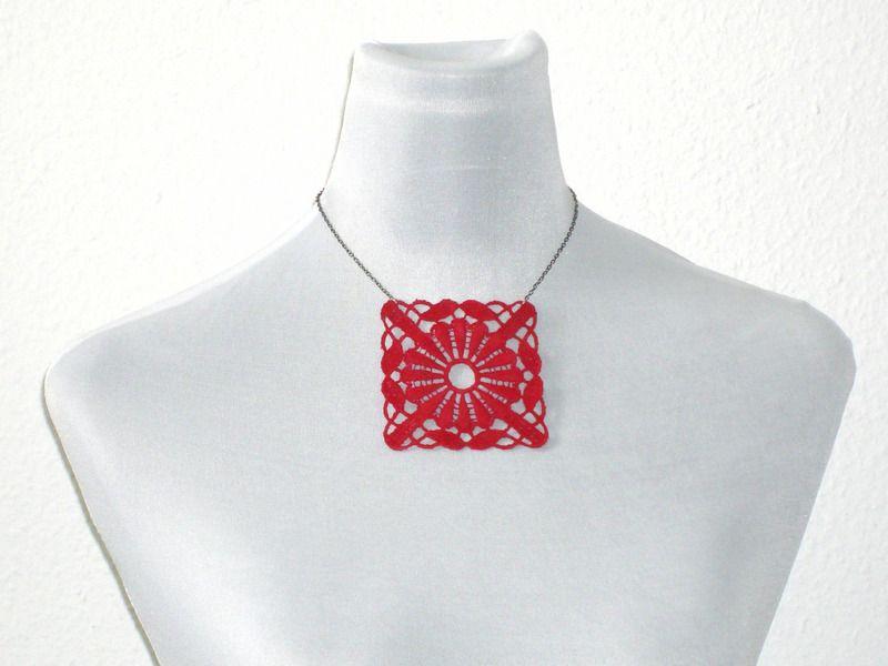 """Halskette """"lacy-square"""" rot von lucylique - Mode und Accessoires made in Leipzig auf DaWanda.com"""