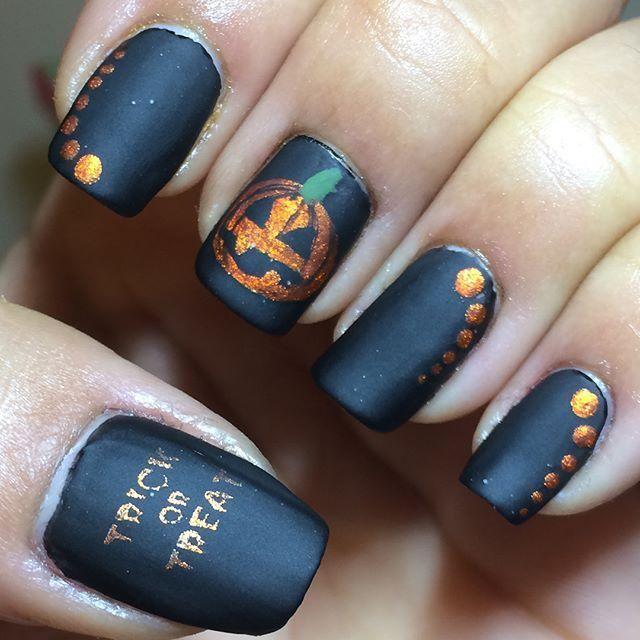 60+ Halloween Nail Art Ideas | Halloween nail designs ...