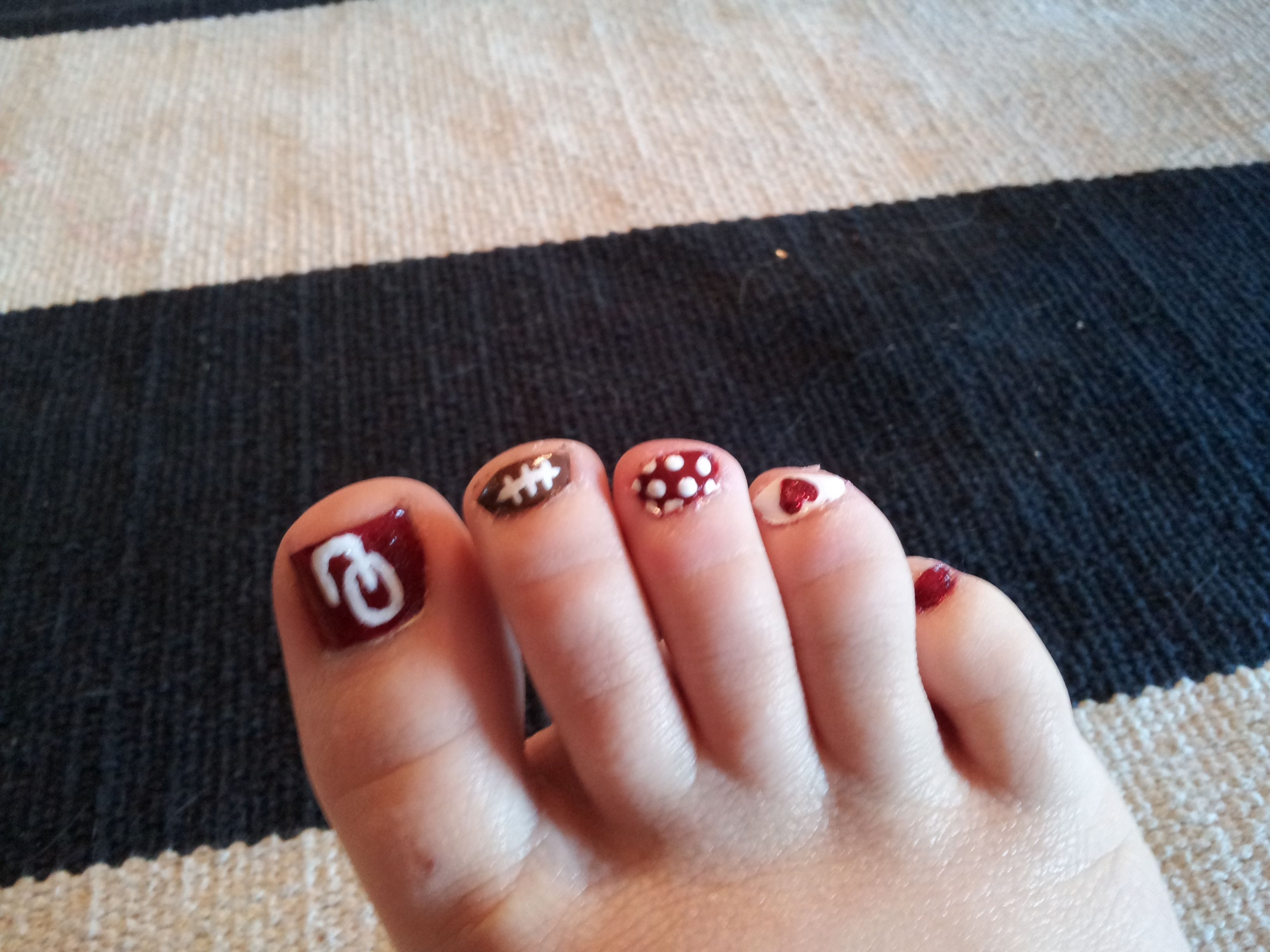 Polish Christmas 2020 Oklahoma i painted my toenails to show my support! #boomersooner #ou