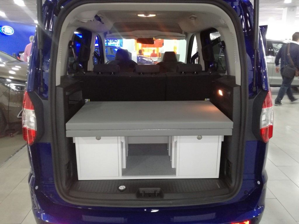 Ford Tourneo Courier 2017 Decarthon Mobiliario De Carton Ford
