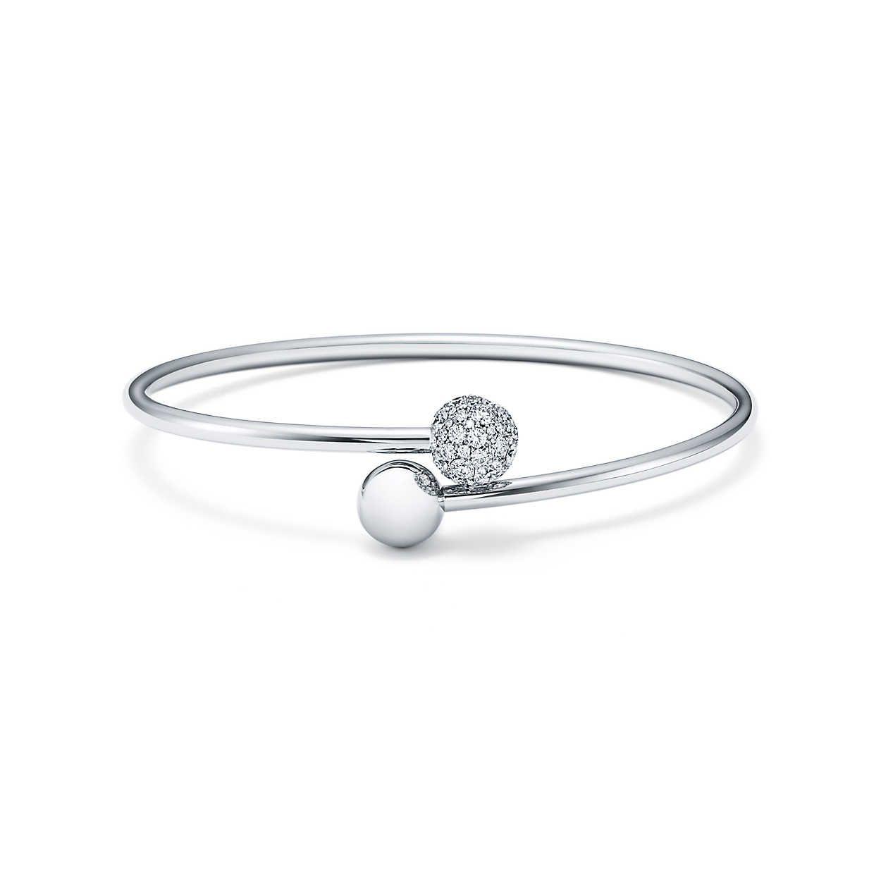 18b0a3f7e Tiffany HardWear ball bypass bracelet in 18k white gold with diamonds,  medium. | Tiffany & Co.