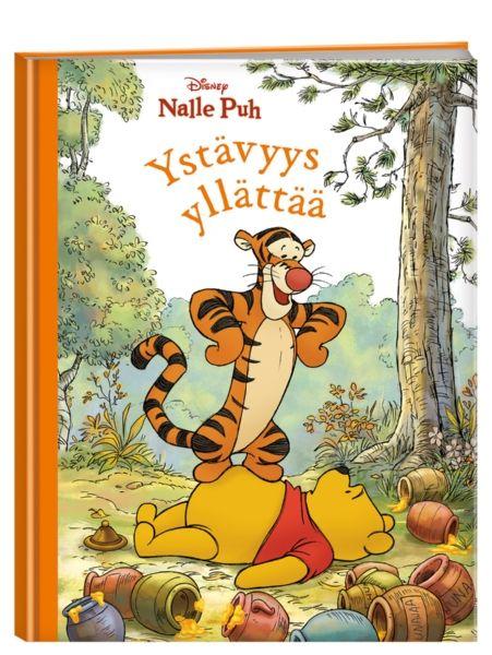 Nalle Puh: Ystävyys yllättää -kirjassa on kolme iloista tarinaa. Vaikka Tiikerin pomput, Pöllön puhetulva ja Kengun huolenpito tuntuvat joskus liialta, ne kuuluvat Puolen hehtaarin metsään eikä niitä ilman voisi olla. Ystävyys osaa aina yllättää!