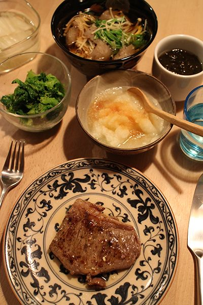dinner on Fri. 6 Feb. 2015: beef steak with grated Daikon & Ponzu, soup with Kon'nyaku, Enoki mushroom & Mizuna, rape blossoms by Japanese mustard sauce, vinegrated Mozuku seaweed, pickled radish then green tea