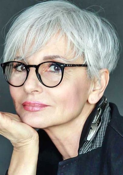 Pixie Haircuts Older Women18 ShortPixieHaircuts Idées
