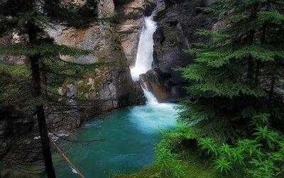 Beautiful Mountain Waterfall Wallpaper