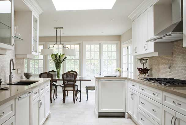 One Of Hilary Farr Designs Largely Known From Love It Or List It Georgeous Kitchen Design Small Kitchen Design White Kitchen Design