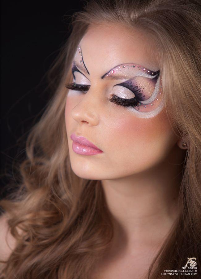 работа модели для макияжа