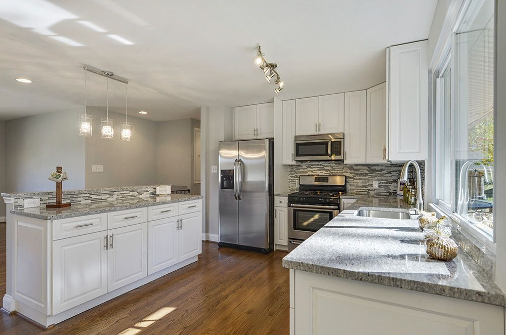 Best Gramercy White Cabinets By Kitchen Cabinet Kings Cost Of 400 x 300