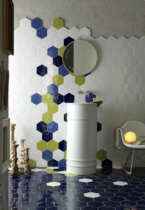 Tonalite spa ceramica decori mosaici listelli cosas - Azulejos hexagonales bano ...