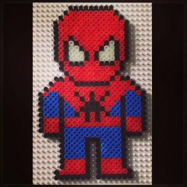 spiderman hama beads by hob2393 perler bead patterens pinterest b gelperlen b gelperlen. Black Bedroom Furniture Sets. Home Design Ideas