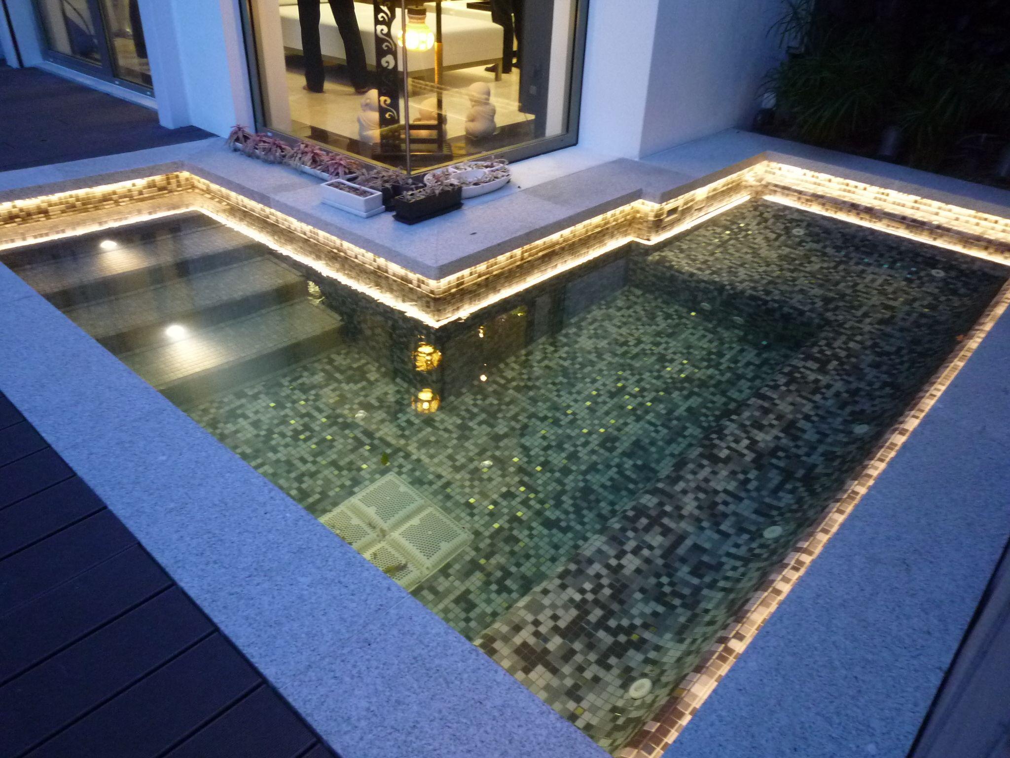 Unterwasser Poolbeleuchtung Mit Wasserdichtem Led Lichtband Ip68 Zertifiziert Chlor Uv Salzwass Pool Beleuchtung Poolbeleuchtung Led Unterwasserbeleuchtung