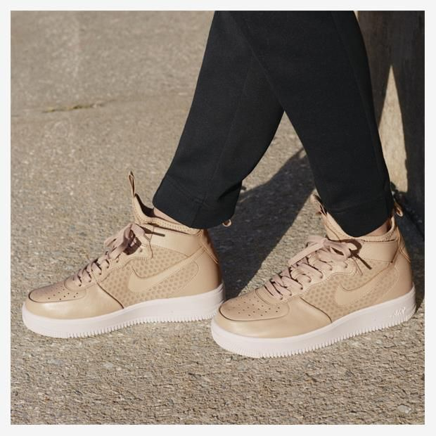 Tênis Nike Air Force 1 UltraForce Mid Feminino  f44c0763c089a